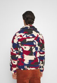 Another Influence - PRINTED BORG JACKET - Winterjas - multi - 2