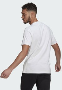 adidas Performance - ESSENTIALS BIG LOGO T-SHIRT - Print T-shirt - white - 1