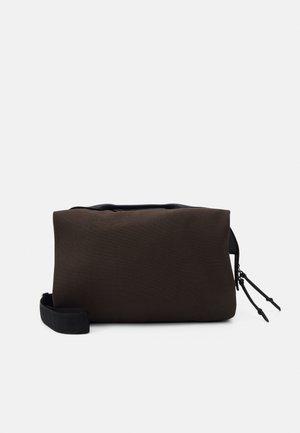 SATCHEL L - Tote bag - nori green