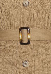 Glamorous Petite - BELTED CARDIGAN - Cardigan - light brown - 2