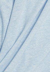 Esprit - PER COO CLOUDY - Basic T-shirt - light blue - 7