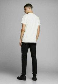 Royal Denim Division by Jack & Jones - JJ-RDD CREW NECK - T-shirt basic - white - 2