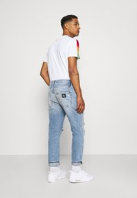 Calvin Klein Jeans - DAD - Relaxed fit jeans - blue - 2