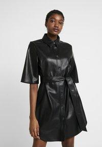 Monki - KARLA DRESS - Robe chemise - black - 0