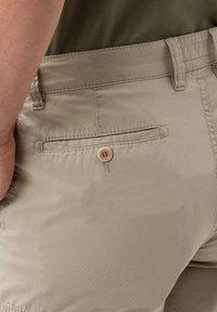 BRAX - STYLE BRAZIL - Shorts - beige - 3