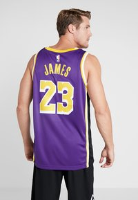 Nike Performance - NBA LA LAKERS LEBRON JAMES SWINGMAN - Klubbkläder - purple - 2