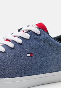 Tommy Hilfiger - ESSENTIAL - Sneakers basse - yale navy - 5