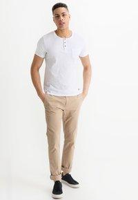 Tiffosi - BRIAN - Print T-shirt - blanc - 1