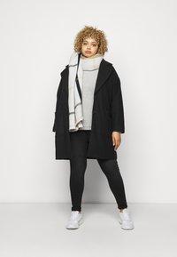ONLY Carmakoma - CARLAOLA LIFE - Jeans Skinny Fit - black - 1