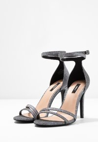 ONLY SHOES - ONLAILA WRAP - Sandali con tacco - black - 4