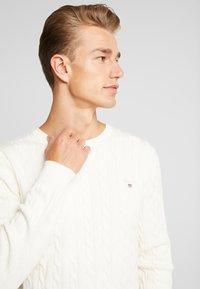 GANT - CABLE CREW - Stickad tröja - cream - 3