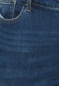 Simply Be - FERN BOYFRIEND - Jeans Tapered Fit - vintage blue - 4
