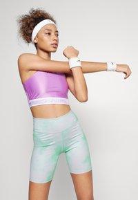 Nike Performance - ONE CORE - Leggings - green glow/white - 3