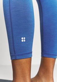 Sweaty Betty - SUPER SCULPT 7/8 YOGA LEGGINGS - Legging - blue quartz marl - 5