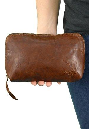Wallet - honey brown
