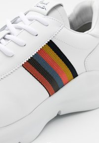 Paul Smith - SHUTTLE - Baskets basses - white