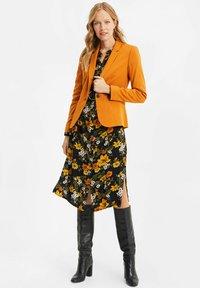 WE Fashion - Bleiseri - rust brown - 1
