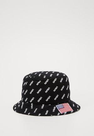 NASA ALLOVER BUCKET HAT - Chapeau - black
