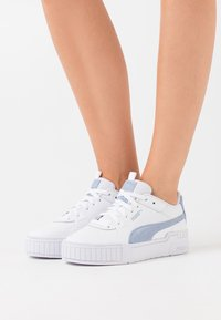 Puma - CALI SPORT SD - Baskets basses - white/serenity - 0
