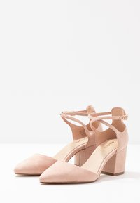 ALDO Wide Fit - BROOKSHEAR WIDE FIT - Decolleté - light pink