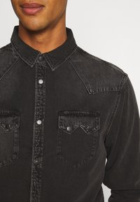 AllSaints - BASSETT SHIRT - Shirt - washed black - 4