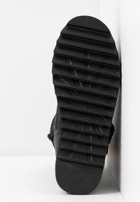 UGG - CLASSIC REBEL BIKER SHORT - Platform boots - black - 6