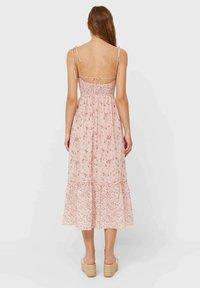 Stradivarius - MIT BLUMEN - Day dress - light pink - 1