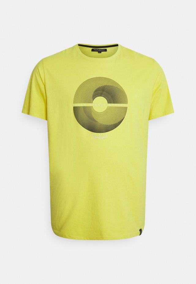 PATCH POCKET TEE - T-shirts med print - yellow