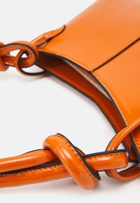 Topshop - 90S  KNOT SHOULDER - Bolso de mano - orange - 4