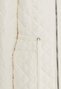 Ilse Jacobsen - PADDED QUILT COAT - Classic coat - milk creme - 2