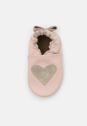 BIG LOVING - Babyschoenen - rose clair/or