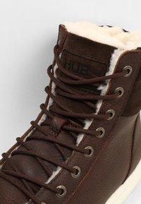 HUB - DUBLIN MERLINS - Sneakers high - dark brown/off white - 5