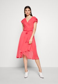 DKNY - TRIPLE LAYER SLEEVE V-NECK WRAP MIDI - Hverdagskjoler - melon - 0