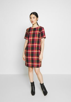 CHECK SHIFT DRESS                  - Hverdagskjoler - red