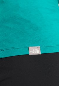 The North Face - WOMENS EASY TEE - Triko s potiskem - jaiden green - 6