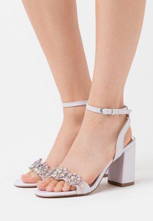 LARA - Sandály na vysokém podpatku - lilac