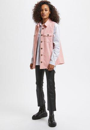 KATAMIA - Waistcoat - pink / chalk houndstooth