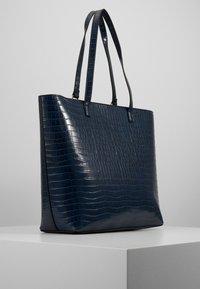 New Look - TABATHA CROC TOTE - Shoppingveske - navy - 1