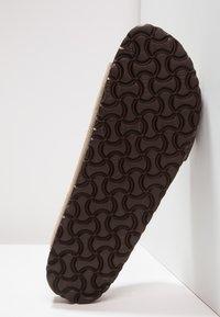 Birkenstock - ARIZONA SOFT FOOTBED NARROW FIT - Sandaler - taupe - 5