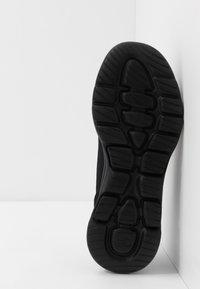 Skechers Performance - GO WALK 5 - Obuwie do biegania Turystyka - black - 4