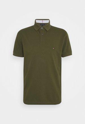 Polo shirt - putting green