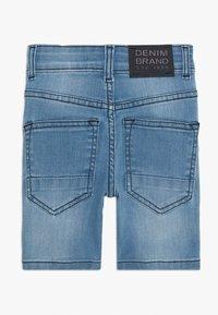 Staccato - BERMUDAS KID - Denim shorts - light blue denim - 1