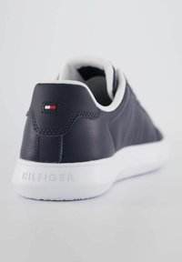 Tommy Hilfiger - ESSENTIAL CUPSOLE - Sneakers basse - marine - 3