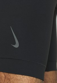 Nike Performance - DRY YOGA - Kraťasy - black - 5