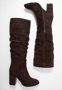 Adele Dezotti - Boots - testa di moro - 3