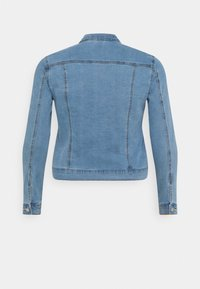 Vero Moda Curve - VMHOT SOYA JACKET - Denim jacket - light blue denim - 7