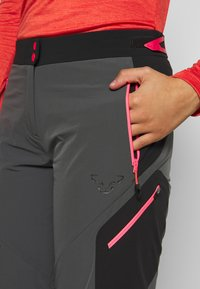 Dynafit - TRANSALPER SHORTS - Sports shorts - magnet - 3