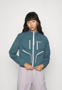 Nike Sportswear - Sportovní bunda - ash green - 0
