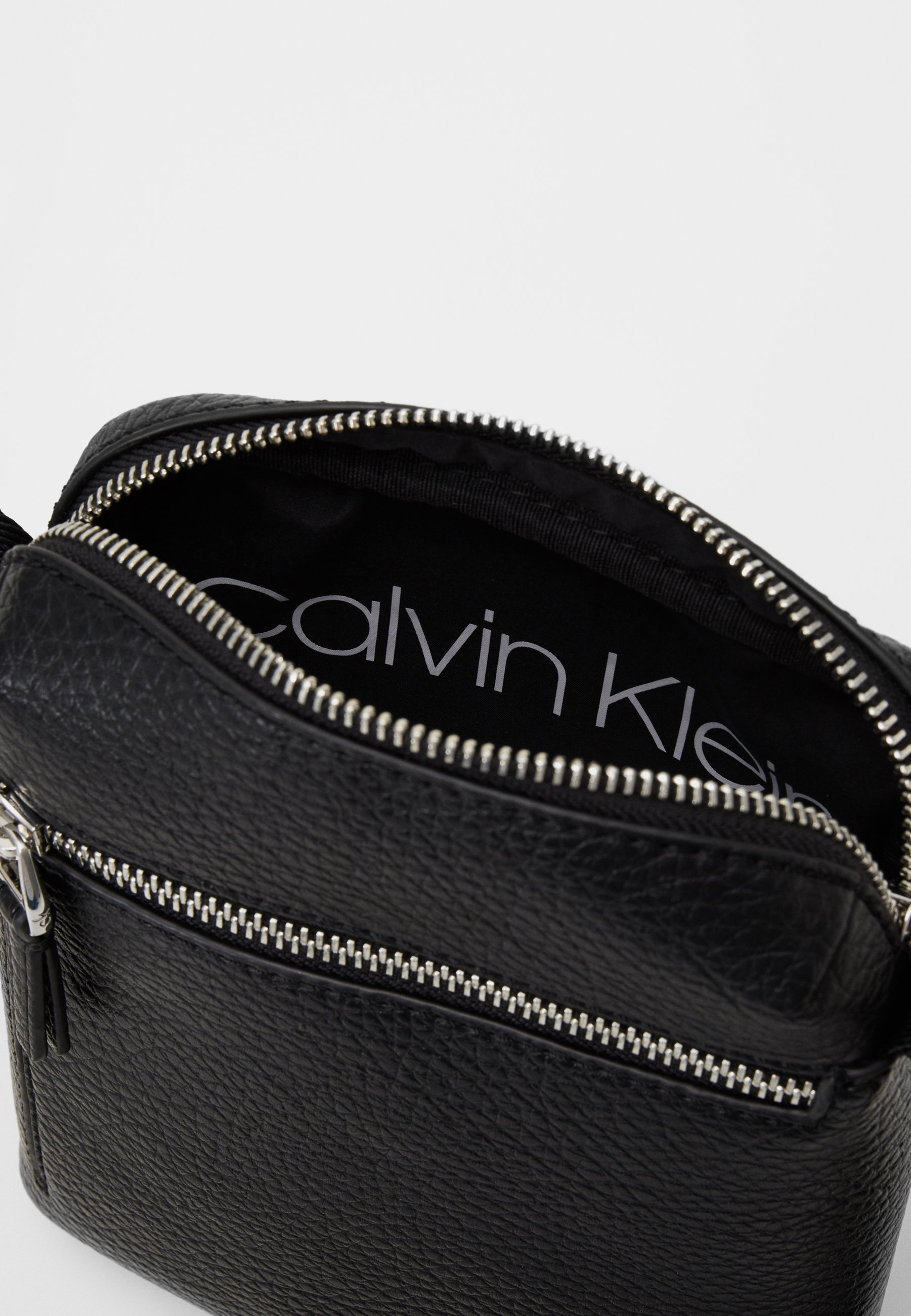 Excellent Outlet Calvin Klein REPORTER - Across body bag - black | men's accessories 2020 VwVBz