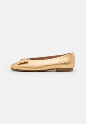 Ballet pumps - wash golden